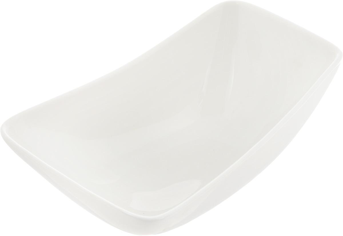 Салатник Ariane Rectangle, 260 млAVRARN22015Оригинальный салатник Ariane Rectangle, изготовленный из высококачественного фарфора, имеет оригинальную форму и приподнятый край. Такой салатник украсит сервировку вашего стола и подчеркнет прекрасный вкус хозяина, а также станет отличным подарком. Можно мыть в посудомоечной машине и использовать в микроволновой печи. Размер салатника (по верхнему краю): 15 х 9 см. Максимальная высота салатника: 6 см.