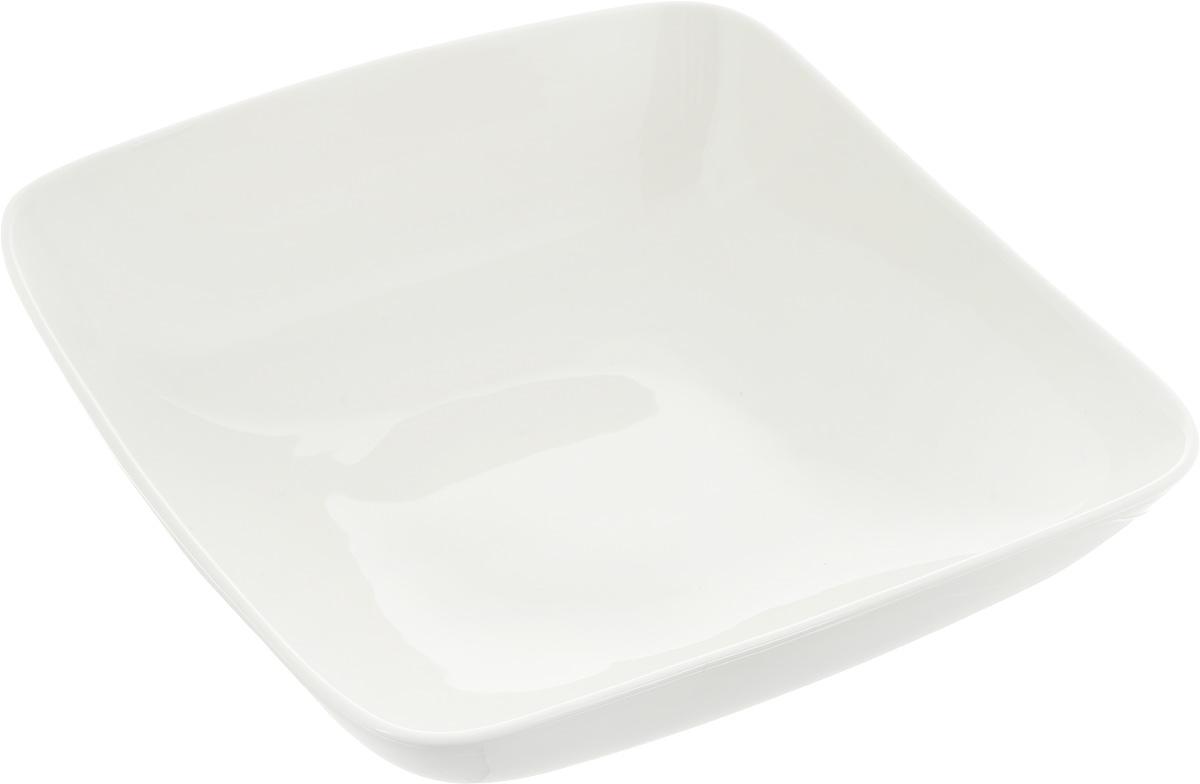 Салатник Ariane Vital Square, 1,75 лAVSARN22025Оригинальный салатник Ariane Vital Square, изготовленный из высококачественного фарфора, имеет квадратную форму и приподнятый край. Такой салатник украсит сервировку вашего стола и подчеркнет прекрасный вкус хозяина, а также станет отличным подарком. Можно мыть в посудомоечной машине и использовать в микроволновой печи. Размер салатника (по верхнему краю): 25 х 25 см. Максимальная высота салатника: 8,5 см.