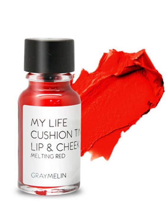 Graymelin, Тинт для губ и щек (melting red), Cushion Tint Lip & Cheek8809435713156Легкий тинт для губ и скул с консистенцией эссенции от Graymelin, сохраняет цвет и сочность губ в течение длительного времени, придает румянец и здоровый цвет коже лица, активно увлажняет, питает и впитывается без растекания. Это декоративное и ухаживающее средство не оставляет на губах дискомфорта и жирного блеска, после нанесения не смазывается.