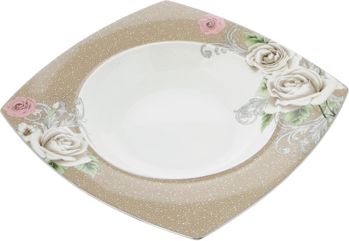 Салатник Family & Friends Florance, 17,5 х 17,5 смPR7986Салатник Family & Friends Florance изготовлен из высококачественного фарфора и оформлен оригинальным цветочным рисунком. Он подойдет для сервировки стола, как для повседневных, так и для торжественных случаев. Такой салатник прекрасно впишется в интерьер вашей кухни и станет достойным дополнением к кухонному инвентарю. Подчеркнет прекрасный вкус хозяйки и станет отличным подарком. Размер салатника по верхнему краю: 15 х 15 см. Высота: 5 см.
