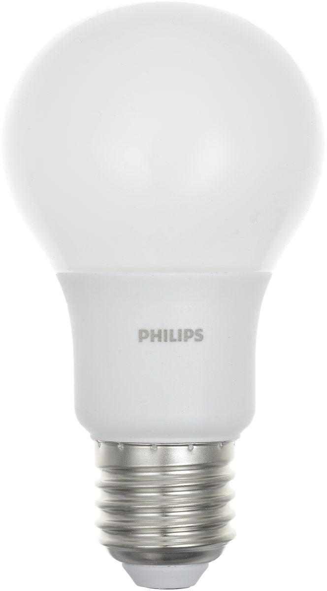 Лампа светодиодная Philips LEDBulb, E27, 6-50W, 3000KЛампа LEDBulb 6-50W E27 3000K 230VA60/PFСовременные светодиодные лампы Philips экономичны, имеют долгий срок службы и мгновенно загораются, заполняя комнату светом. Лампа классической формы и высокой яркости позволяет создать уютную и приятную обстановку в любой комнате вашего дома. Светодиодные лампы потребляют на 88 % меньше электроэнергии, чем обычные лампы накаливания, излучая при этом привычный и приятный свет. Срок службы светодиодной лампы Philips составляет до 15 000 часов, что соответствует общему сроку службы 15 ламп накаливания. В результате менять лампы приходится значительно реже, что сокращает количество отходов. Напряжение: 230 В. Световой поток: 470 lm. Угол светового пучка: 270°.