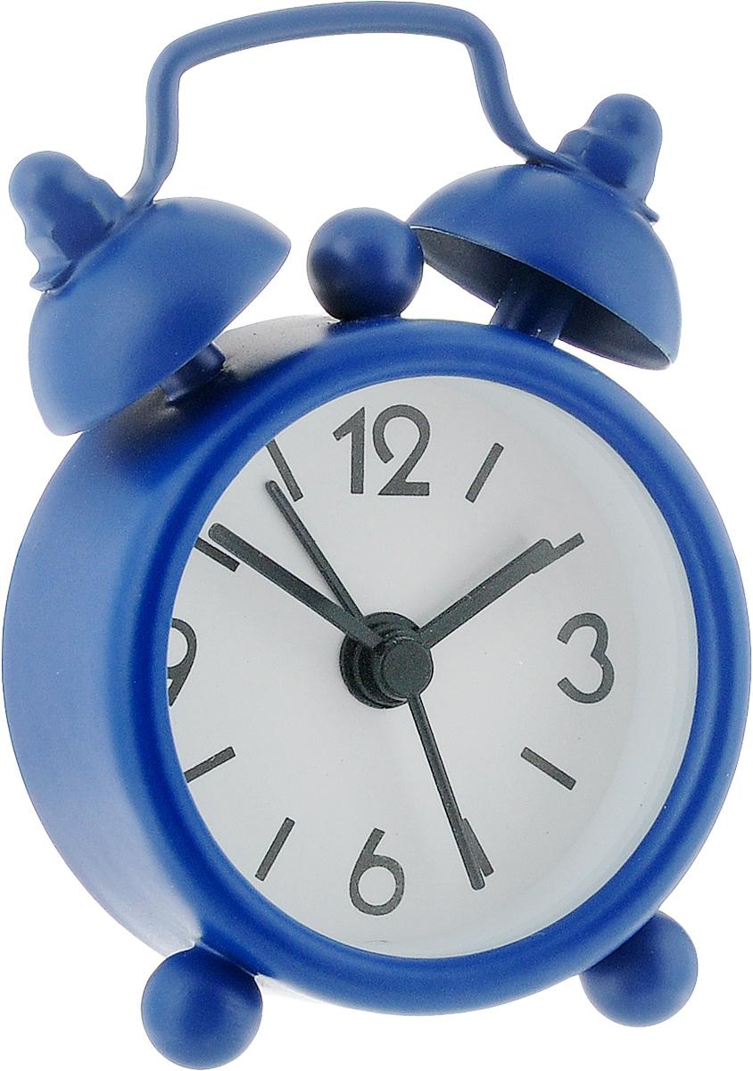 Часы-будильник Sima-land, цвет: синий. 11038981103898_синийКак же сложно иногда вставать вовремя! Всегда так хочется поспать еще хотя бы 5 минут и бывает, что мы просыпаем. Теперь этого не случится! Яркий, оригинальный мини-будильник Sima-land поможет вам всегда вставать в нужное время и успевать везде и всюду. Эта уменьшенная версия привычного будильника умещается на ладони и работает так же громко, как и привычные аналоги. Время показывает точно и будит в установленный час. На задней панели будильника расположены переключатель включения/выключения механизма, а также два колесика для настройки текущего времени и времени звонка будильника. Будильник работает от 1 батарейки типа LR44 (входит в комплект).