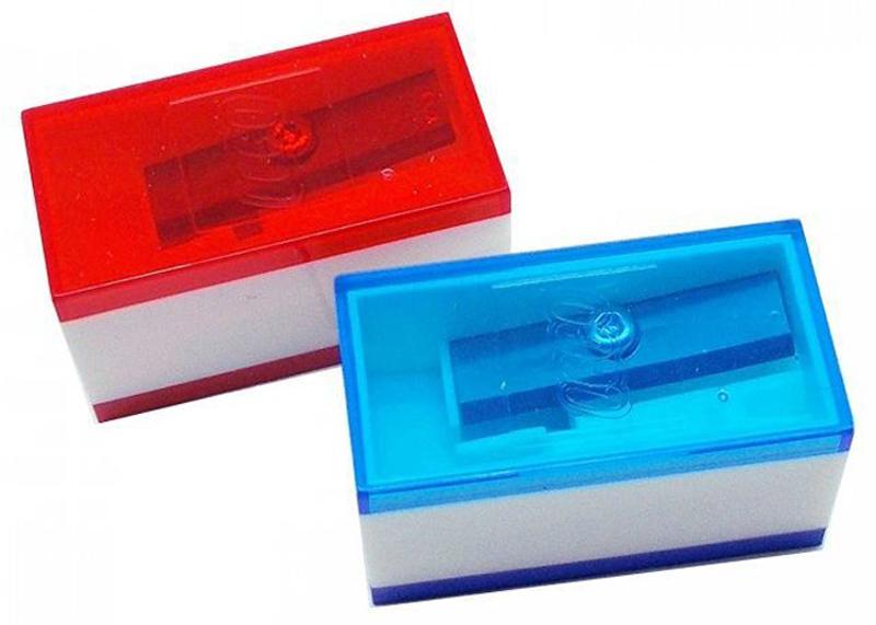 LEGO Точилка цвет синий красный 2 шт 5149651496Точилка в пластиковом корпусе, предназначена для заточки карандашей. 2 штуки в комплекте.
