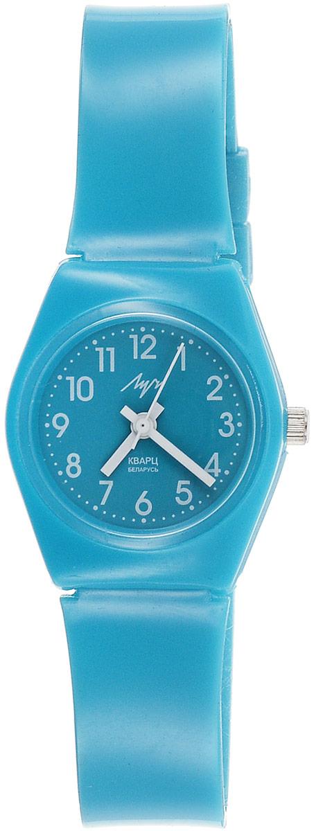 Наручные часы для девочки Луч, цвет: голубой. 728727914728727914Маленькие лёгкие яркие пластиковые кварцевые часы Луч для девочки с японским механизмом Miyota комфортно сядут на детское запястье. Выполнены из высококачественного пластика. Выдерживают воздействие многократных ударов с ускорением 150м/с при длительности ударов от 2 до 15 м/с. Имеют круглый пластиковый корпус с плоским пластиковым устойчивым к царапинам стеклом. Продолжительность непрерывной работы 12 месяцев. Сменная батарея.