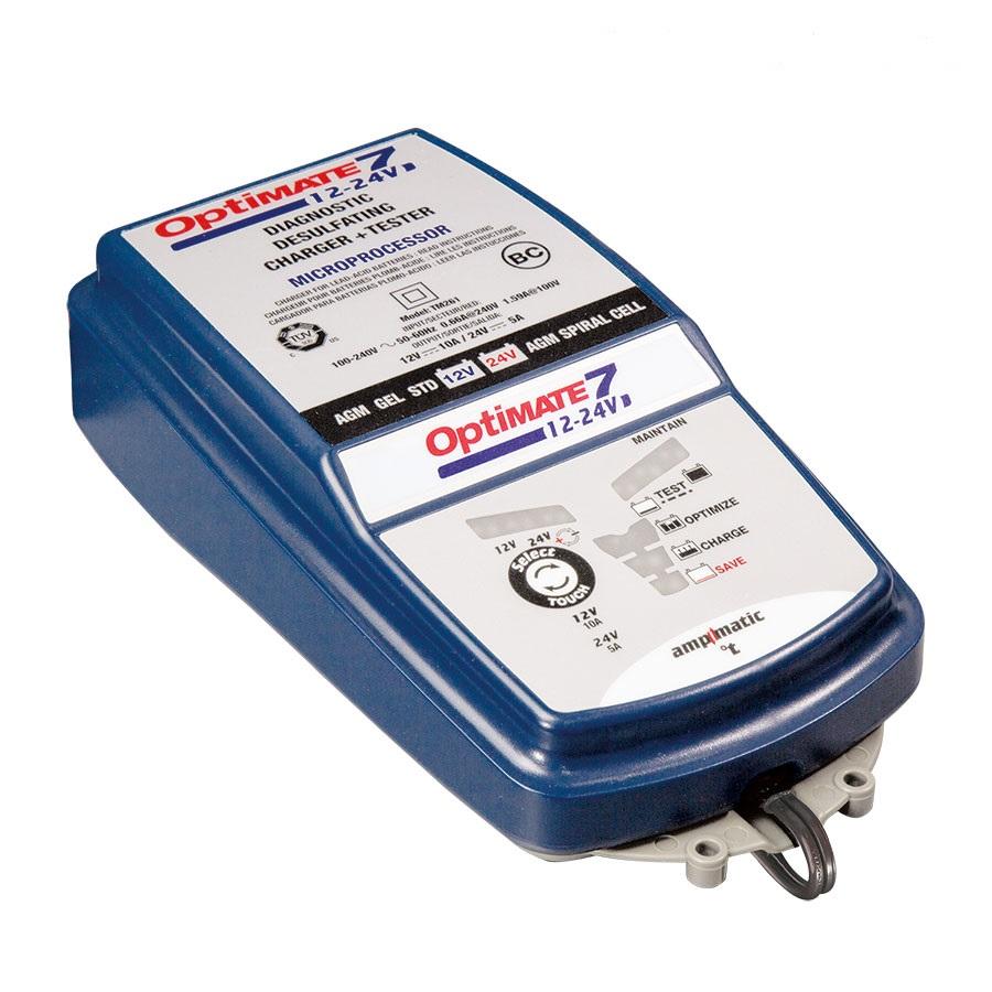 Зарядное устройство OptiMate 7 12/24V. TM260TM260Многоступенчатое зарядное устройство Optimate от бельгийской компании TecMate с режимами тестирования, восстановления глубокоразряженных аккумуляторных батарей, десульфатации и хранения. Управление автоматическое AmpmaticTM микропроцессор, переключение режимов 12В и 24В сенсорной кнопкой. Заряжает все типы 12В и 24В свинцово-кислотных аккумуляторных батарей, в т.ч. AGM, GEL. Защита от короткого замыкания, переполюсовки, искрообразования, перегрева. Оптимизирует срок службы и здоровье аккумуляторной батареи. Гарантия 3 года (замена на новое изделие). Влагозащищенный корпус. Рекомендовано 10-ю ведущими производителями мототехники. Optimate 7 рекомендуется для АКБ от 3Ач до 400 Ач - 12В, до 200Ач - 24В. Ток заряда до 10А для 12В; до 5А для 24В. Старт зарядки АКБ от 0,5В. Температурный режим -40...+40С. В комплект устройства входят аксессуары O11 кольцевой разъем постоянного подключения и O4 зажимы типа крокодил.