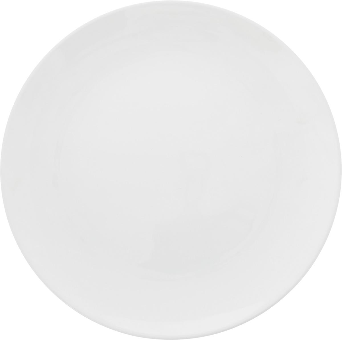 Тарелка Ariane Коуп, диаметр 24 смAVCARN11024Тарелка Ariane Коуп, изготовленная из высококачественного фарфора, имеет классическую круглую форму. Такая тарелка отлично подойдет в качестве блюда для закусок и нарезок, а также для подачи различных десертов. Изделие прекрасно впишется в интерьер вашей кухни и станет достойным дополнением к кухонному инвентарю. Тарелка Ariane Коуп подчеркнет прекрасный вкус хозяйки и станет отличным подарком. Можно мыть в посудомоечной машине и использовать в микроволновой печи. Высота: 2 см. Диаметр тарелки: 24 см.