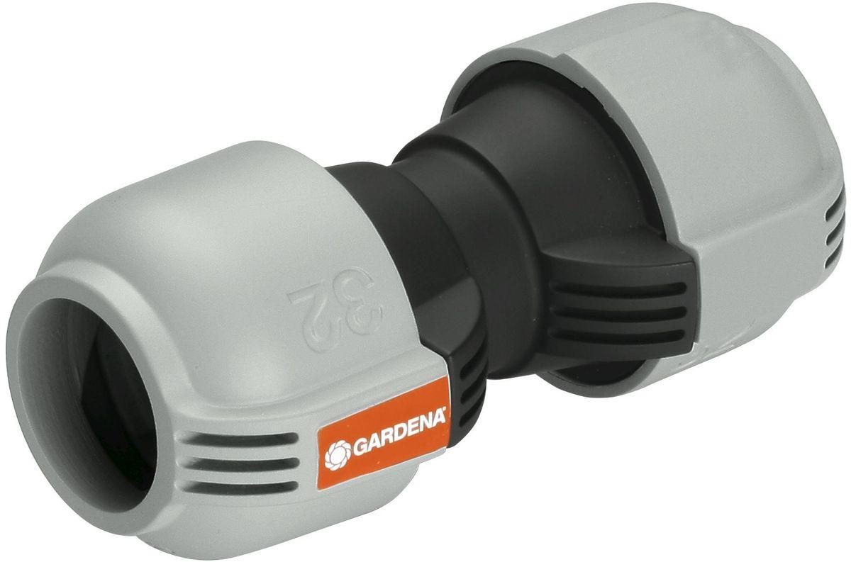 Соединитель Gardena, 32 мм. 02776-20.000.0002776-20.000.00Соединитель GARDENA 25 мм, входящий в систему дождевания GARDENA Sprinklersystem, используется для наращивания подающего шланга. Благодаря запатентованной технологии простого соединения Quick & Easy (Быстро и просто) соединение/разъединение труб осуществляется без инструментов, простым поворотом резьбового фитинга на 140°.