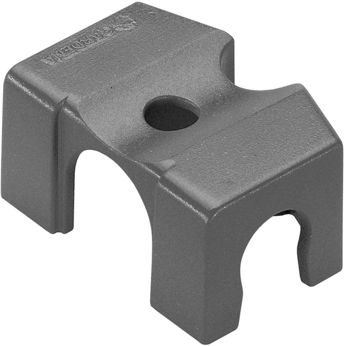 Крепление Gardena, 13 мм (1/2), 2 шт. 08380-29.000.0008380-29.000.00Крепление GARDENA предназначено для простого и надежного закрепления шлангов системы микрокапельного полива GARDENA Micro-Drip-System на твердой поверхности. Также крепление используется для закрепления микронасадок на магистральном шланге диаметром 13 мм (1/2 дюйма). Крепление в паре с Т-образным соединителем для микронасадок (арт. 8331-20) и надставкой (арт. 1377-20) позволяет регулировать высоту микронасадок. В комплект поставки входят два крепления.