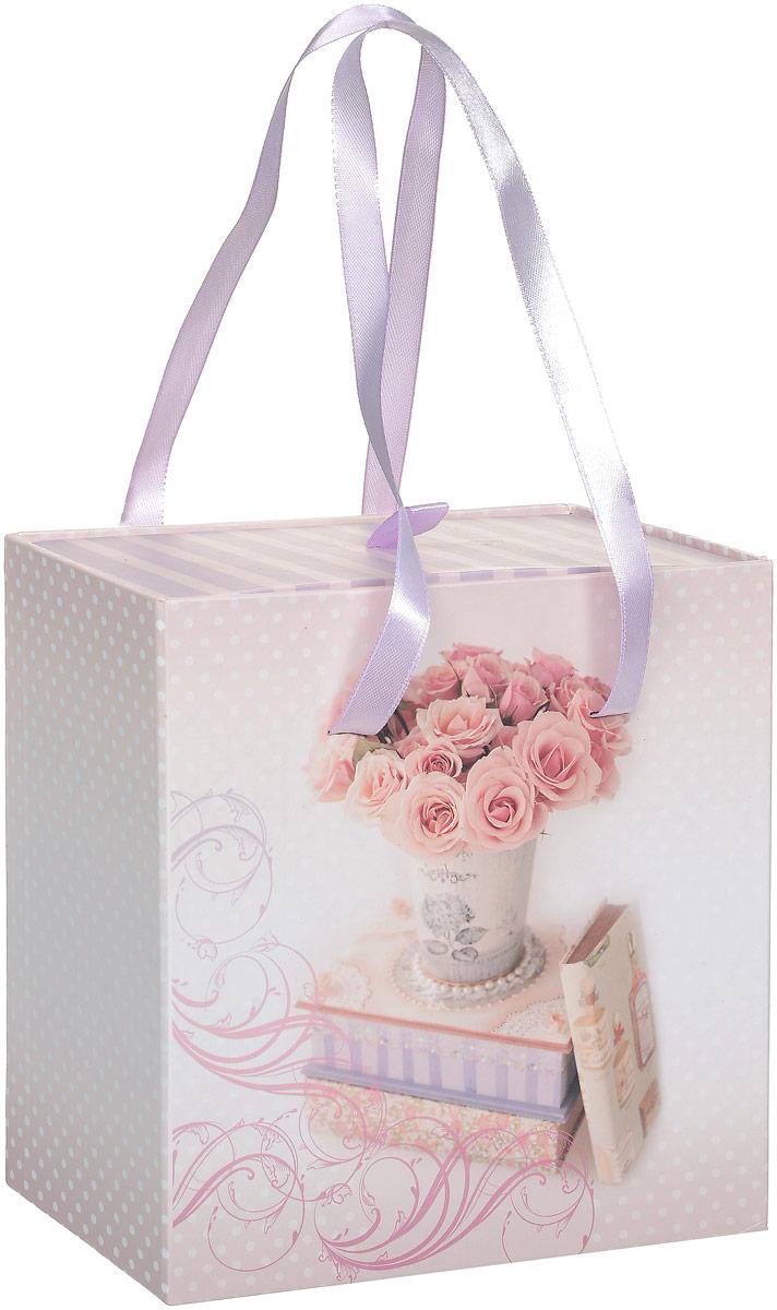 Коробка подарочная Magic Home Ваза с розами, квадратная, 16 х 16 х 8 см44279Подарочная коробка Magic Home Ваза с розами выполнена из мелованного ламинированного картона. Коробочка оформлена оригинальным цветочным рисунком. Изделие имеет квадратную форму и состоит из двух частей, одна из которых вставляется в другую. Внутренняя часть дополнена текстильной петлей, внешняя - длинными ручками. Подарочная коробка - это наилучшее решение, если вы хотите порадовать близких людей и создать праздничное настроение, ведь подарок, преподнесенный в оригинальной упаковке, всегда будет самым эффектным и запоминающимся. Окружите близких людей вниманием и заботой, вручив презент в нарядном, праздничном оформлении. Плотность картона: 1100 г/м2.