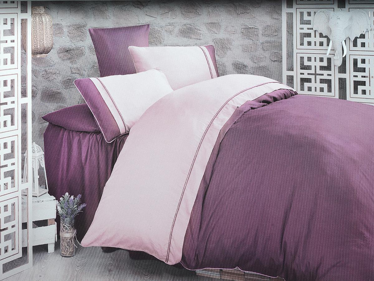 Комплект белья Clasy Kharma, евро, наволочки 50х70, цвет: пурпурный, сиреневый00000005244Комплект постельного белья Clasy Kharma состоит из пододеяльника на пуговицах, простыни и 4 наволочек. Белье выполнено в двухцветном дизайне и декорировано контрастным кантом. Изделия выполнены из сатина (100% хлопок). Ткань гладкая и имеет ровный матовый блеск. Секрет заключается в особенно плотном сатиновом переплетении. Несмотря на особую плотность, это постельное белье очень мягкое, спать на нем уютно и тепло. Ткань обладает отличными гигиеническими свойствами - гигроскопичностью, воздухопроницаемостью и гипоаллергенностью. Краска на сатине держится очень хорошо, новое белье не полиняет и со временем не станет выцветать. Такой комплект прослужит дольше любого другого хлопкового белья. Благодаря диагональному пересечению нитей ткань почти не мнется. В производстве белья используются только качественные безопасные импортные красители, которые не содержат вредных химических веществ и позволяют сохранить яркость красок после многократных...