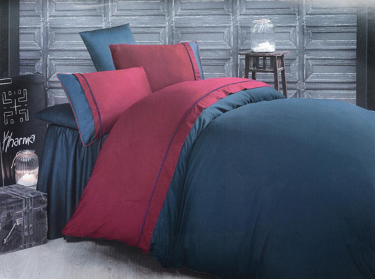 Комплект белья Clasy Kharma, евро, наволочки 50х70, цвет: темно-синий, красный00000005245Комплект постельного белья Clasy Kharma состоит из пододеяльника на пуговицах, простыни и 4 наволочек. Белье выполнено в двухцветном дизайне и декорировано контрастным кантом. Изделия выполнены из сатина (100% хлопок). Ткань гладкая и имеет ровный матовый блеск. Секрет заключается в особенно плотном сатиновом переплетении. Несмотря на особую плотность, это постельное белье очень мягкое, спать на нем уютно и тепло. Ткань обладает отличными гигиеническими свойствами - гигроскопичностью, воздухопроницаемостью и гипоаллергенностью. Краска на сатине держится очень хорошо, новое белье не полиняет и со временем не станет выцветать. Такой комплект прослужит дольше любого другого хлопкового белья. Благодаря диагональному пересечению нитей ткань почти не мнется. В производстве белья используются только качественные безопасные импортные красители, которые не содержат вредных химических веществ и позволяют сохранить яркость красок после многократных стирок. Белье упаковано в...