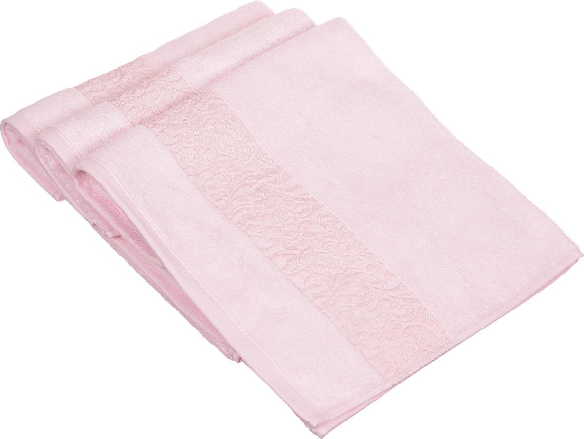 Набор полотенец Issimo Home Valencia, цвет: светло-розовый, 50 х 90 см, 3 шт00000004846Набор Issimo Home Valencia состоит из 3 полотенец, выполненных из бамбука с добавлением хлопка. Красивый жаккардовый бордюр с цветочным орнаментом выполнен в цвет полотенец. Полотенца из бамбука только издали похожи на обычные. На самом деле, при первом же прикосновении вы ощутите, насколько эти полотенца мягкие и нежные. Таким полотенцем не нужно вытираться: только коснитесь кожи, и ткань сама все впитает. Такая ткань впитывает в 3 раза лучше, чем хлопок. Несмотря на богатую плотность и высокую петлю полотенца быстро сохнут, остаются легкими даже при намокании.