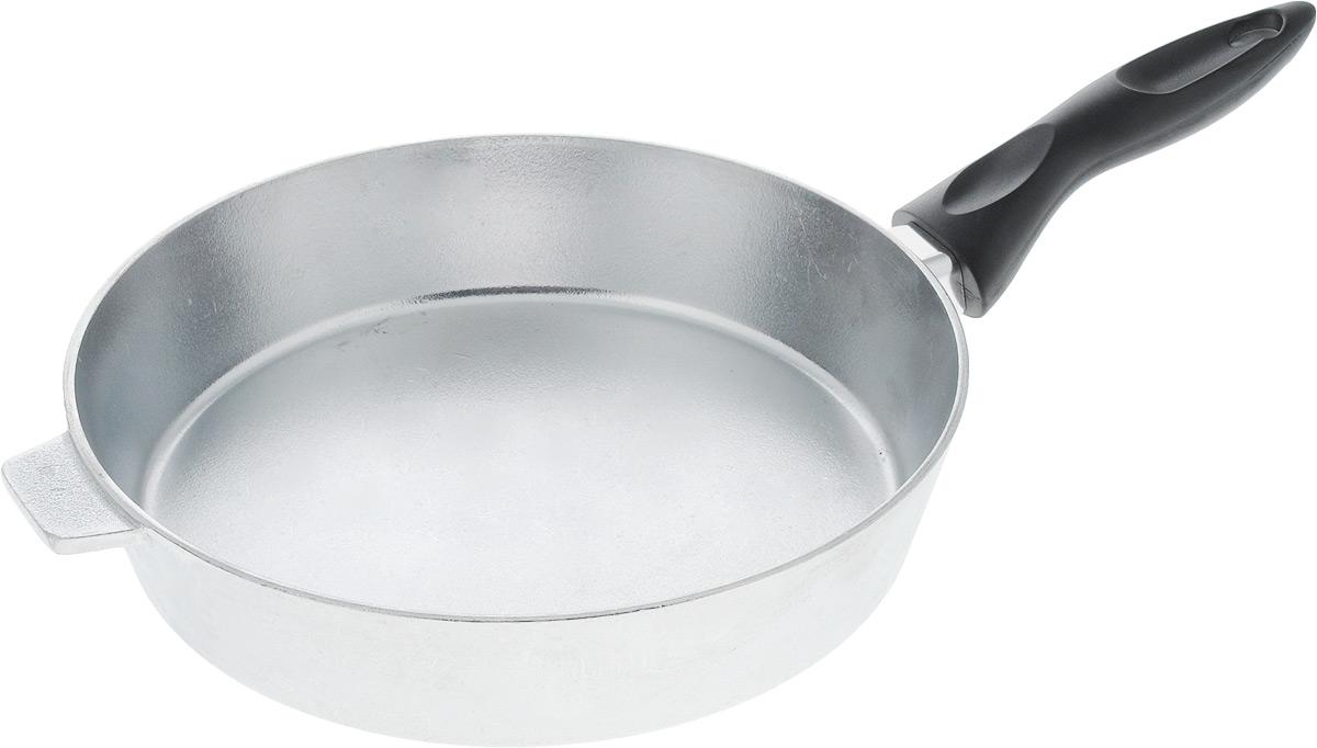 Сковорода Алита Хозяюшка. Диаметр 24 см. 1230012300Сковорода Алита Хозяюшка, изготовленная из литого алюминиевого сплава AK5M2П, прекрасно подходит для приготовления повседневных блюд. Гладкая поверхность обеспечивает легкость ухода за посудой. Изделие оснащено удобной пластиковой ручкой, которая не нагревается в процессе готовки. Подходит для использования на всех типах плит, кроме индукционных. Диаметр сковороды (по верхнему краю): 24 см. Высота стенки: 5,5 см. Длина ручки: 15,5 см.