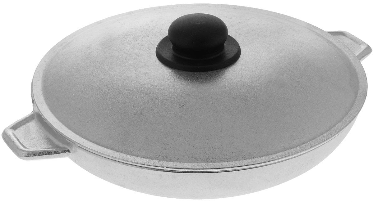 Сковорода Алита Б-08 с крышкой. Диаметр 28 см13600Сковорода с крышкой Алита Б-08 изготовлена из литого алюминиевого сплава. Сковорода прекрасно подходит для приготовления повседневных блюд. Гладкая поверхность обеспечивает легкость ухода за посудой. Изделие оснащено двумя литыми ручками. Крышка дополнена пластиковой ручкой. Не подходит для индукционных плит. Диаметр сковороды: 28 см. Высота стенки: 6 см. Ширина с учетом ручек: 35,5 см.