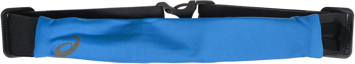 Сумка поясная для бега Asics Waistbelt, цвет: голубой, серый142209-8012Компактная поясная сумка Asics Waistbelt, выполненная из высококачественного спандекса, отлично подойдет для переноски самого необходимого во время занятий спортом. Сумка содержит одно небольшое основное отделение на застежке-молнии. Отделение закрывается с внутренней стороны. Сбоку имеется петля для подвешивания брелоков или ключей. Поясной ремень фиксируется при помощи пластикового карабина. Длина ремня регулируется.