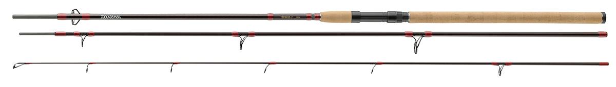 Спиннинг штекерный Daiwa Tornado-Z 3tlg, 3,6 м, 75-120 г61234В серии Tornado-Z представлены 3 частные универсальные удилища для ловли мирной рыбы на тяжелые приманки. Удилища с тремя разными тестами позволяют использовать разнообразные техники ловли судака, щуки, карпа, линя и угря. Благодаря полупараболическому строю, бланки из высокомодульного углепластика отлично сбалансированы и прогружаются по всей длине во время заброса - идеально для заброса таких деликатных приманок как тесто, черви и живая рыбка. Оснащены первоклассной пробковой рукояткой, Fuji катушкодержателем, кольцами из оксида титана и поставляются в тканевом чехле.