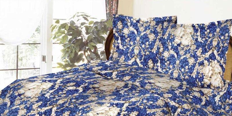 Комплект белья ROKO Барокко, 1,5-спальный, наволочки 70х70, цвет: синий, серый115870Комплект белья ROKO состоит из простыни, пододеяльник и 2 наволочек. Для производства постельного белья используются экологичные ткани высочайшего качества. Бязь - хлопчатобумажная плотная ткань полотняного переплетения. Отличается прочностью и стойкостью к многочисленным стиркам. Бязь считается одной из наиболее подходящих тканей, для производства постельного белья и пользуется в России большим спросом.