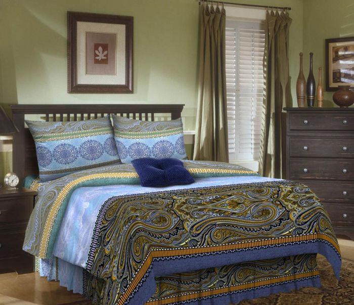 Комплект белья ROKO, 1,5-спальный, наволочки 70х70, цвет: синий, голубой115936Комплект белья ROKO состоит из простыни, пододеяльника и 2 наволочек. Для производства постельного белья используются экологичные ткани высочайшего качества. Поплин - это тонкая и легкая хлопчатобумажная ткань высокой плотности полотняного переплетения, сотканная из пряжи высоких номеров. При изготовлении поплина используются длинноволокнистые сорта хлопка, что обеспечивает высокие потребительские свойства материала. Несмотря на свою утонченность, поплин очень практичен – это одна из самых износостойких тканей для постельного белья.