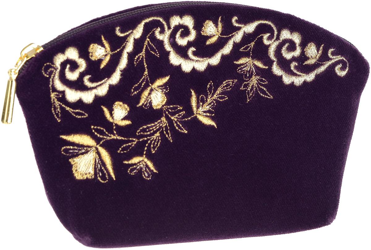 Косметичка малая. Бархат фиолетового цвета, вышивка. Размер 17 х 11 см. Торжокские золотошвеи, Россия69Косметичка малая. Бархат фиолетового цвета, вышивка. Торжокские золотошвеи, Россия. Размер: 17 х 11 см. Сертификат соответствия прилагается. Изделия, расшитые золотом и серебром, – это изысканный подарок, сувенир ручной работы, предназначенный для утонченных, экстравагантных и стильных людей.
