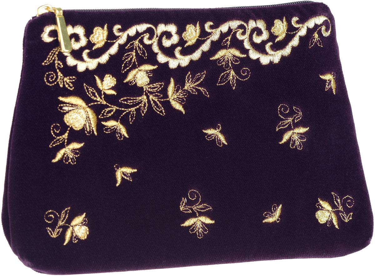 Сумочка театральная. Бархат фиолетового цвета, вышивка. Размер 22 х 15 см. Торжокские золотошвеи, Россия00053354-17Сумочка театральная. Бархат фиолетового цвета, вышивка. Торжокские золотошвеи, Россия. Размер: 22 х 15 см. Сертификат соответствия прилагается. Изделия, расшитые золотом и серебром – это изысканный подарок, сувенир ручной работы, предназначенный для утонченных, экстравагантных и стильных людей.