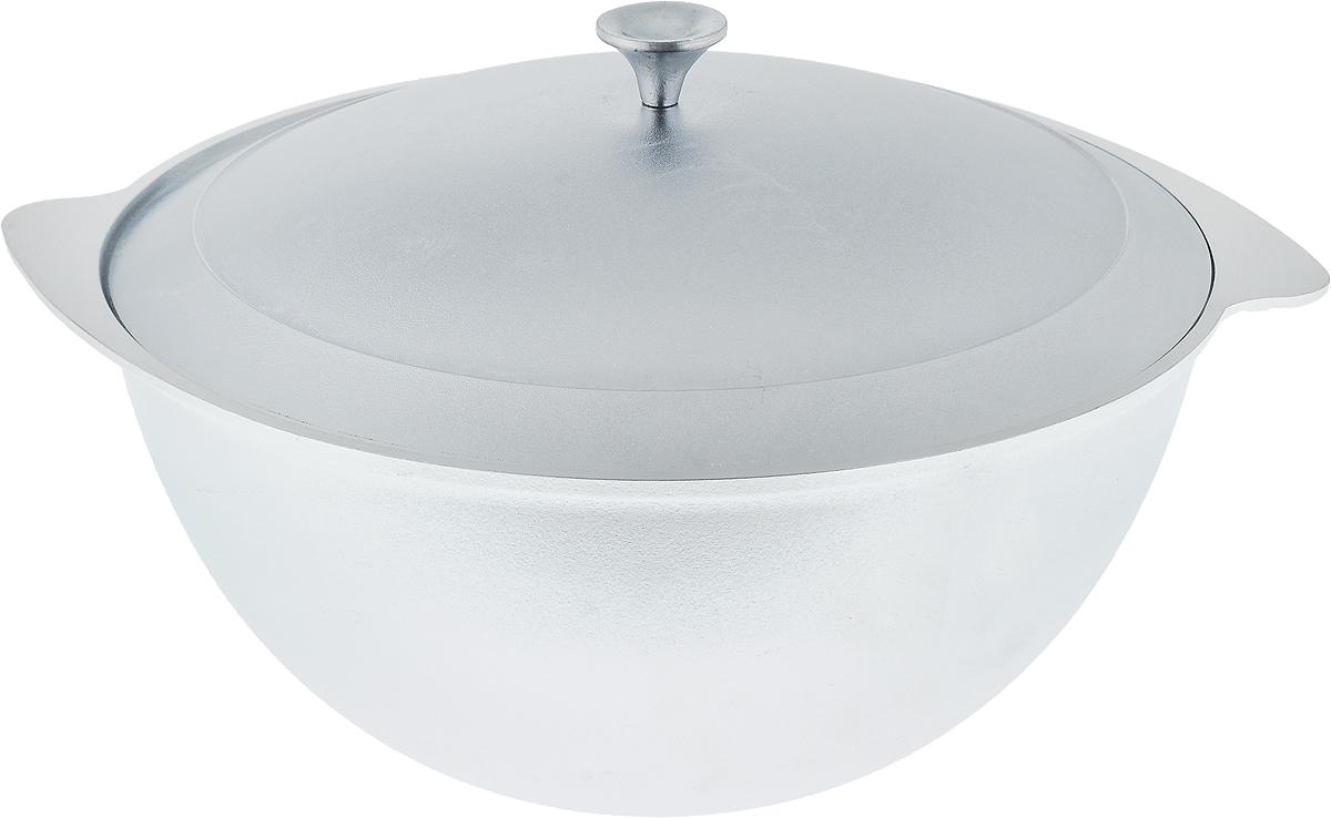 Казан для плова Kukmara с крышкой, 4,5 л27830Казан для плова Kukmara изготовлен из литого алюминия. Особенности казана Kukmara: - литая толстостенная посуда, отлитая вручную; - долгий срок службы; - не подвергается деформации; - высокая теплопроводность и эргономичность; - удобство в использовании; - легкость мытья; - подходит для электрических и газовых плит; - возможность использования в духовом шкафу. Казан Kukmara - подходящая посуда для самых разнообразных блюд. С его помощью вы получите превосходный результат при приготовлении плова и не только. Диаметр казана: 30 см. Высота стенки: 12,6 см. Ширина (с учетом ручек): 35 см.