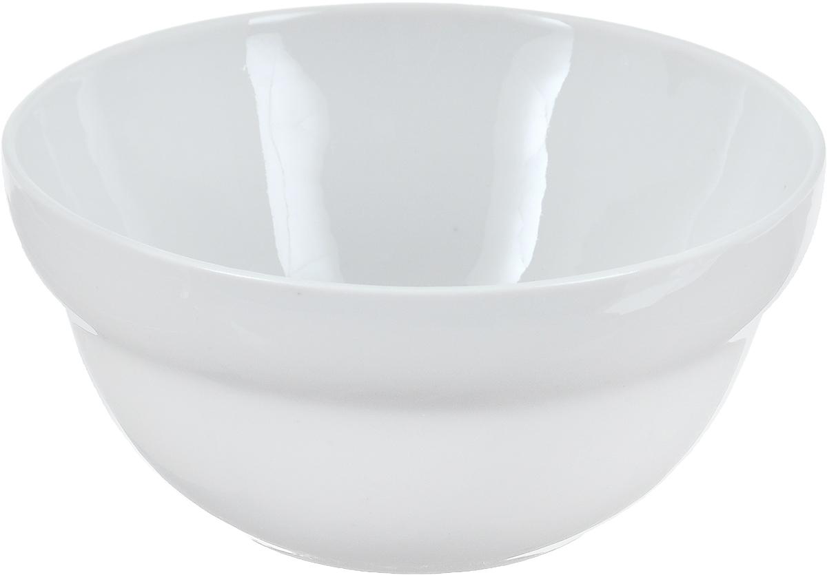 Салатник Фарфор Вербилок, 360 мл. 6970000Б6970000БСалатник Фарфор Вербилок изготовлен из высококачественного фарфора. Изделие имеет круглую форму и белоснежный цвет. Такой салатник будет смотреться не только стильно, но и элегантно. Он дополнит коллекцию кухонной посуды и будет служить долгие годы. Диаметр салатника по верхнему краю: 12 см. Диаметр основания: 6 см. Высота салатника: 6 см.