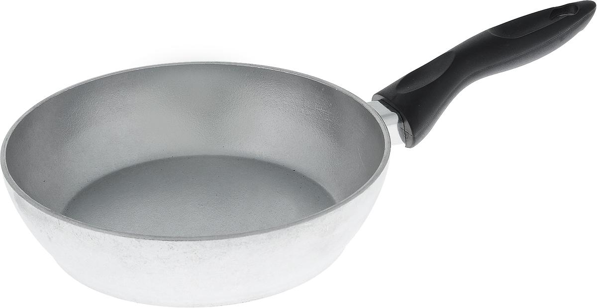 Сковорода Алита Алена. Диаметр 20 см10100Сковорода Алита Алена, изготовленная из литого алюминиевого сплава AK5M2П, прекрасно подходит для приготовления повседневных блюд. Гладкая поверхность обеспечивает легкость ухода за посудой. Изделие оснащено удобной пластиковой ручкой, которая не нагревается в процессе готовки. Подходит для использования на всех типах плит, кроме индукционных. Диаметр сковороды (по верхнему краю): 20 см. Высота стенки: 5,5 см. Длина ручки: 15,5 см.