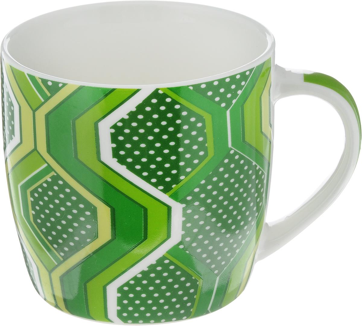 Кружка Loraine, цвет: темно-зеленый, 320 мл. 2448724487_темно-зеленыйКружка Loraine изготовлена из прочного качественного костяного фарфора. Изделие оформлено красочным рисунком. Благодаря своим термостатическим свойствам, изделие отлично сохраняет температуру содержимого - морозной зимой кружка будет согревать вас горячим чаем, а знойным летом, напротив, радовать прохладными напитками. Такой аксессуар создаст атмосферу тепла и уюта, настроит на позитивный лад и подарит хорошее настроение с самого утра. Это оригинальное изделие идеально подойдет в подарок близкому человеку. Диаметр (по верхнему краю): 8,5 см. Высота кружки: 8,2 см. Объем: 320 мл.