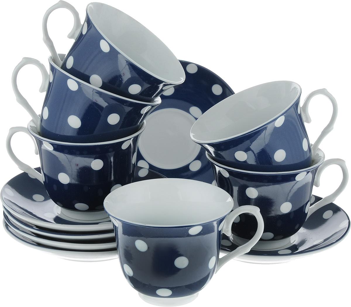 Набор чайный Loraine, цвет: белый, темно-синий, 12 предметов. 2590525905_белый, темно-синийЧайный набор Loraine состоит из шести чашек и шести блюдец. Изделия выполнены из высококачественного фарфора и оформлены красивым принтом в горошек. Такой набор изящно дополнит сервировку стола к чаепитию. Благодаря оригинальному дизайну и качеству исполнения, он станет замечательным подарком для ваших друзей и близких. Объем чашки: 220 мл. Диаметр чашки (по верхнему краю): 9 см. Высота чашки: 7,5 см. Диаметр блюдца: 14 см. Высота блюдца: 2 см.