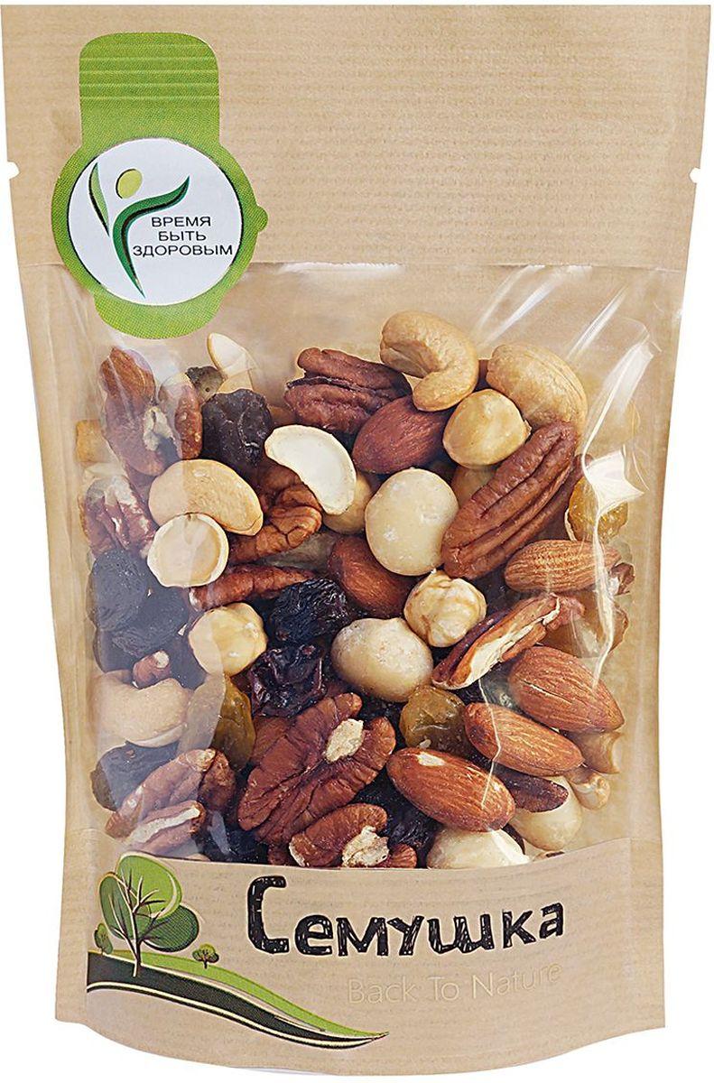 Изюм (виноград сушеный, консервант Е220, подсолнечное масло); жареные ядра орехов: Миндаля, Кешью, Фундука; ядра орехов: Пекана, Макадамии