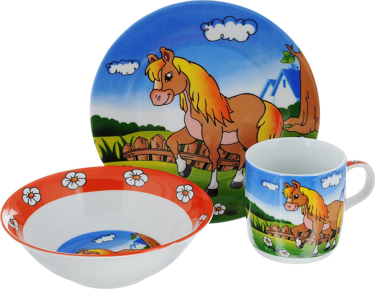 Набор детской посуды Mayer & Boch Лошадка, 3 предмета23389Набор детской посуды Mayer & Boch Лошадка состоит из кружки, салатника и тарелки. Изделия выполнены из качественной глазурованной керамики и оформлены красочными рисунками. Набор подходит для сервировки завтрака, обеда и ужина. В нем есть вся необходимая посуда для вашего малыша. Яркий красочный дизайн обязательно понравится вашему ребенку. Объем кружки: 230 мл. Диаметр кружки: 7,5 см. Высота кружки: 7,5 см. Диаметр салатника (по верхнему краю): 15 см. Высота салатника: 5 см. Диаметр тарелки: 18 см.