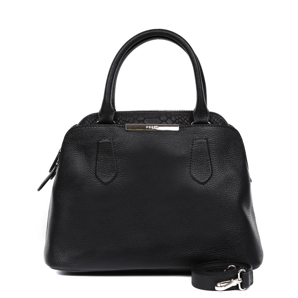 Сумка женская Palio, цвет: черный. 14736A1-W2-018/01814736A1-W2-018/018 blackЭлегантная женская сумка от итальянского бренда Palio выполнена из натуральной плотной кожи, которая держит форму и имеет мягкую фактуру. Классический черный цвет, тонкие ручки, фурнитура выполненная в золоте, стильная бордовая строчка превращают сумку в изящный и стильный аксессуар, который подойдет, как для повседневных, так и для вечерних образов. На внешней и тыльной части сумки дизайнеры расположили удобные карманы на заклепках. Внутри аксессуара вы с легкостью расположите свой сотовый телефон и другие женские мелочи за счет удобных отделений. Аккуратная сумка закрывается на молнию с роскошными кожаными поводками. Изделие не вмещает формат A4. В комплекте аксессуар имеет тонкий кожаный ремешок, с помощью которого, вы сможете стать самой неотразимой и стильной в любой компании.