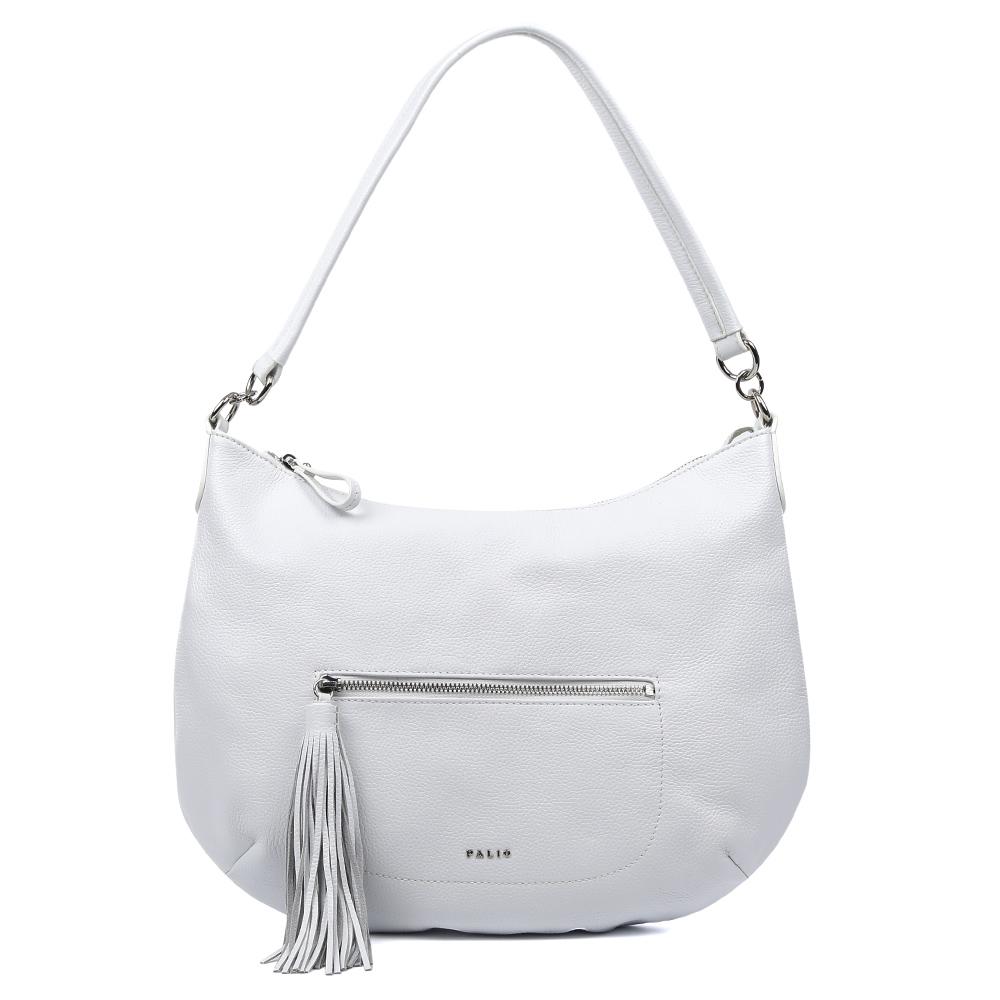 Сумка женская Palio, цвет: белый. 15101A-06515101A-065Изысканная сумка-мешок от итальянского бренда Palio выполнена из натуральной кожи, которая имеет мягкую и нежную фактуру. Классический белый цвет и стильная фурнитура под серебро придают модели нотки весенне-летнего шарма и очарования, поэтому прекрасно дополнят как классический, так и романтический образ. Дизайнерский кисточка- брелок, который украшает лицевую часть сумки, с легкостью подчеркнет ваш уникальный и неповторимый вкус. Сумка имеет одно вместительное отделение, где Вы сможете разместить любые папки и документы формата А4. Также внутри аксессуара вы с легкостью расположите свой сотовый телефон и другие женские мелочи за счет удобных карманов. На тыльной стороне модели дизайнеры разместили вместительный карман, который закрывается на стильную молнию с кожаным поводком.