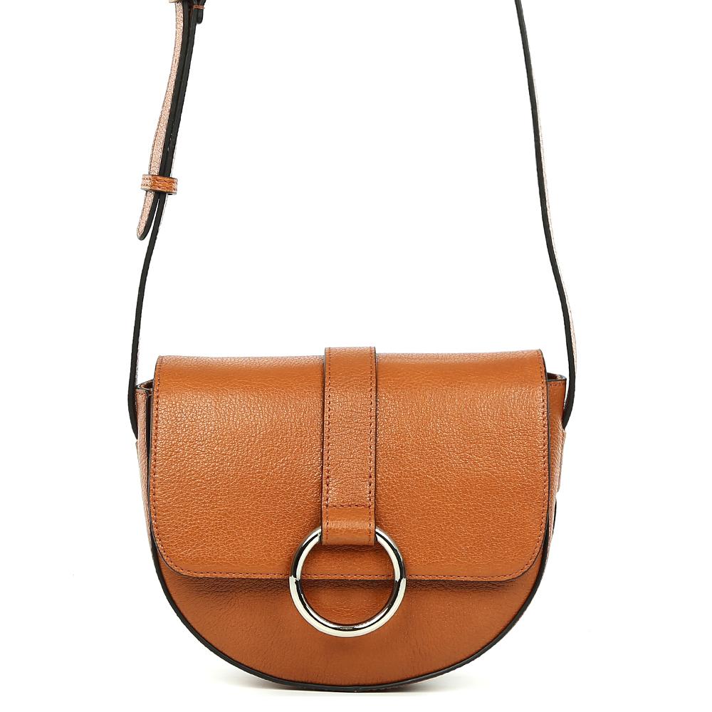 Сумка женская Palio, цвет: коричневый. 15053A-W1-756/77815053A-W1-756/778 brownЭлегантная женская сумка кросс-боди Palio выполнена из натуральной пористой кожи, которая держит форму и имеет мягкую приятную на ощупь фактуру. Изысканный коричневый оттенок camel и стильный лаконичный дизайн, - все это поможет дополнить и завершить ваш элегантный образ. Аккуратная тонкая ручка, стильный ремень с фурнитурой на лицевой части изделия превращают модель в яркий аксессуар, который можно сочетать с вечернем и повседневным стилем. Кросс-боди имеет одно вместительное отделение, которое закрывается на прочный магнитный замок. Внутри сумки вы с легкостью сможете расположить свой сотовый телефон и другие женские мелочи с помощью удобных карманов. Модель не вмещает формат A4, длина ручки регулируется.