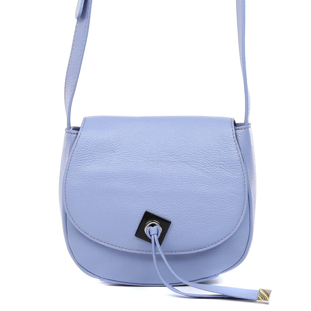 Сумка женская Palio, цвет: синий. 14464A3-W2-814/81714464A3-W2-814/817 l.blueСтильная сумка кросс-боди Palio выполнена из натуральной кожи, которая имеет мягкую и приятную на ощупь фактуру. Нежный и женственный васильковый цвет, элегантные кожаные поводки и фурнитура выполненная в серебряном оттенке помогут дополнить любой утонченный образ. Аксессуар имеет одно вместительное отделение, которое закрывается на магнитную кнопку. Внутри сумки вы с легкостью сможете расположить свой сотовый телефон и другие женские мелочи с помощью удобных карманов. Модель не вмещает формат A4, длинна ручки регулируется.