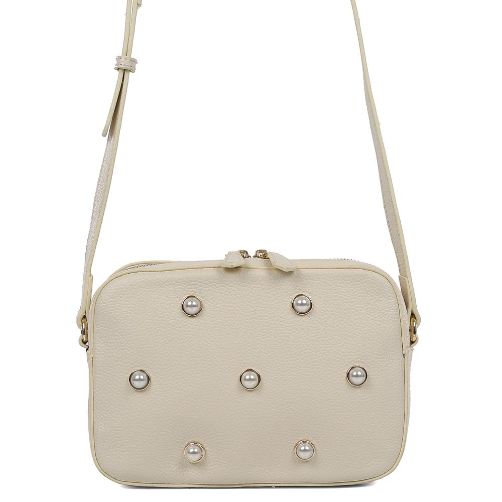 Сумка женская Galaday, цвет: белый. GD7141QGD7141Q-whiteЭлегантная женская сумка Galaday изготовлена из качественной натуральной кожи. Лицевая часть оформлена декоративными вставками. Модель с одним отделением закрывается на молнию. Задняя сторона сумки дополнена врезным карманом на молнии. Сумка оснащена плечевым ремнем, который можно регулировать по длине.