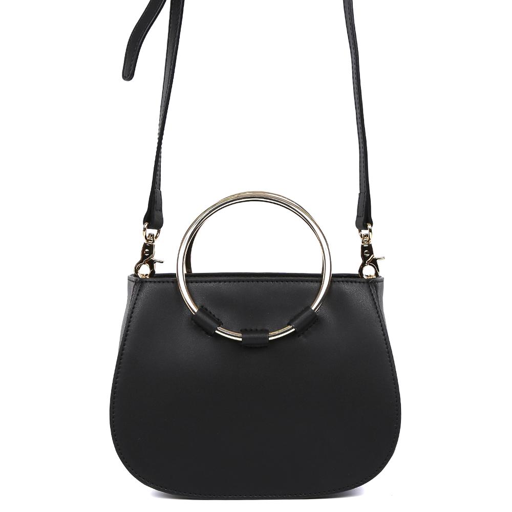 Сумка женская Leo Ventoni, цвет: черный. 2300445723004457-neroИзысканная женская сумка кросс-боди от итальянского бренда Leo Ventoni выполнена из натуральной плотной кожи, которая держит форму и имеет невероятно мягкую на ощупь фактуру. Классический черный цвет в сочетании с фурнитурой в золотом оттенке превращают модель в ультрамодный аксессуар, который подойдет под любой современный образ. Уникальная круглая металлическая ручка, лаконичный дизайн и аккуратный плечевой ремень подчеркнут ваш элегантный вкус. Кросс-боди имеет одно вместительное отделение, закрывающееся на молнию с металлическим поводком. Внутри сумки вы с легкостью сможете расположить свой сотовый телефон и другие женские мелочи с помощью удобных карманов, один из которых на молнии. Модель очень компактна и не вмещает формат A4. Длина плечевого ремня регулируется. С помощью удобного крепления, вы с легкостью сможете отстегнуть ручку и превратить аксессуар в миниатюрную вечернюю сумку.