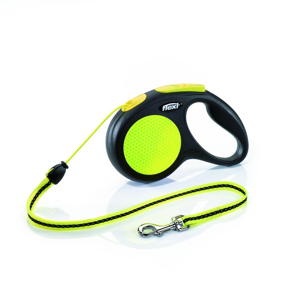 Поводок-рулетка Flexi Neon New Classic М, трос, для собак весом до 20 кг, 5 м25222Тросовый поводок-рулетка предназначен для выгула собак весом до 20 кг. Рулетки flexi производятся в Германии более 40 лет и особое внимание уделяется обеспечению безопасности и комфорта использования: - обновленная эргономичная кнопка системы торможения - запатентованная тормозная система - надежный карабин - светоотражающая наклейка на корпусе рулетки - яркий трос неонового цвета хорошо заметен в сумерки и туман Запатентованая система сматывания и фиксации длины — дополнительное удобство, помогающее контролировать поведение животного. Корпус рулетки выполнен из ударопрочного пластика. Рулетка очень легка в применении, принесет вам еще большую радость от моментов, проведенных с любимцем. Длина 5 м, цвет черный/неон