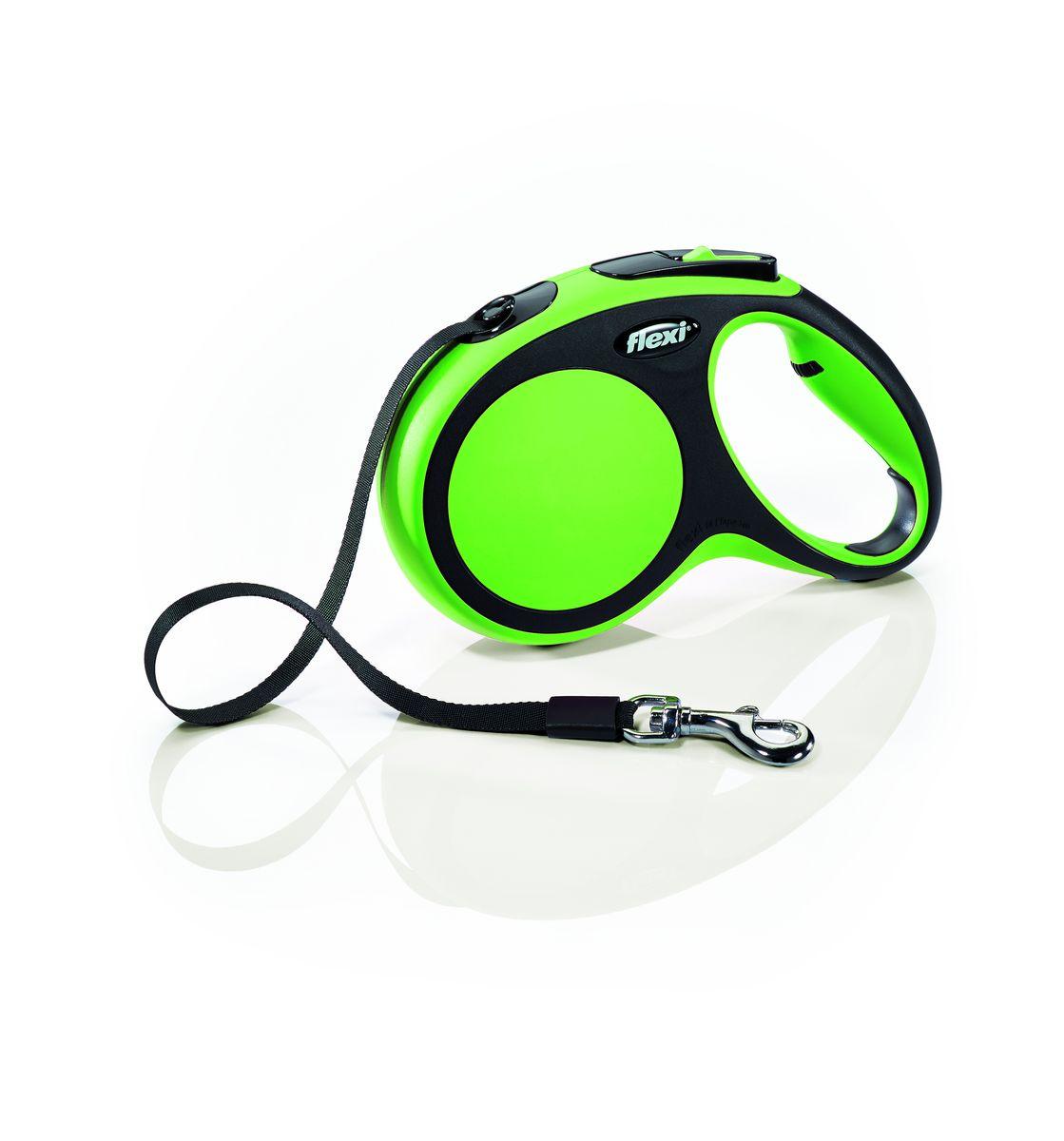 Поводок-рулетка Flexi New Comfort М, лента, для собак весом до 25 кг, цвет: черный, зеленый, 5 м28223Ленточный поводок-рулетка обеспечивает собаке свободу движения, что идет на пользу здоровью и радует Вашего четвероногого друга. Рулетка очень проста в использовании. Оснащена кнопками кратковременной и постоянной фиксации. Рулетку можно оснастить - мультибоксом для лакомств или пакетиков для сбора фекалий, LED подсветкой корпуса. Прочный корпус, хромированная застежка и светоотражающие элементы. Лента поводка автоматически сматывается и поводок в процессе использования не провисает, не касается грунта и таким образом не пачкается и не перетирается. Поводок не нужно подбирать руками когда питомец подошел ближе, таким образом Ваши руки всегда чистые. На рукоятке имеется колесико позволяющее адаптировать размер рукоятки под размер руки Максимальный вес питомца: 25 кг Длина: 5 м