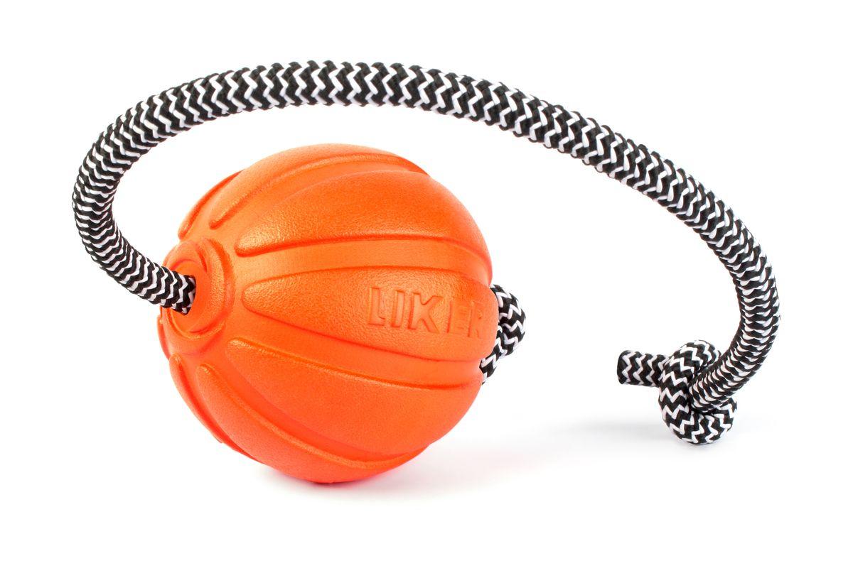 Мячик для собак Liker Корд на шнуре, диаметр 7см6296ЛАЙКЕР КОРД Игрушка для мотивации собак диаметр мяча 7 см длина шнура 30 см Мяч на шнуре Лайкер Корд - идеальная игрушка для поощрения и повышения игровой мотивации собак. Помогает разыграть собаку. Увеличивает интенсивность тренировки. Обеспечивает безопасность рук хозяина: специальный прорезиненный шнур не режет ладонь, создаёт безопасное расстояние между рукой и зубами собаки. Удобен для игр в перетягивание. Легко забрасывается на большое расстояние. Легкий, плавает, безопасный. Лайкер Корд - тренируй играючи!