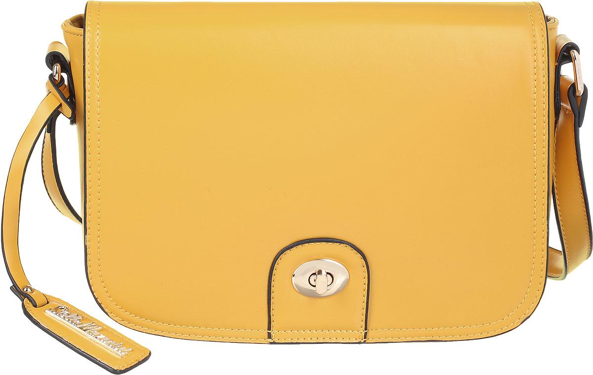 Сумка женская Stella Mazarini, цвет: горчичный. SS0419DSS0419DУльтрамодная сумка Stella Mazarini - лучший выбор для романтичных натур, девушек, ценящих современный стиль и элегантность. Сумка выполнена из высококачественной искусственной кожи и оформлена темным кантом, стильным фирменным брелоком с гравировкой в виде названия бренда. Изделие закрывается широким клапаном на замок-вертушку и дополнительно на застежку-молнию. Внутреннее отделение содержит два накладных кармана для мелочей и мобильного телефона и врезной карман на застежке-молнии. Сумка оснащена плечевым ремнем, который регулируется по длине. Изделие упаковано в текстильный чехол. Изысканная сумка займет достойное место среди вашей коллекции аксессуаров.