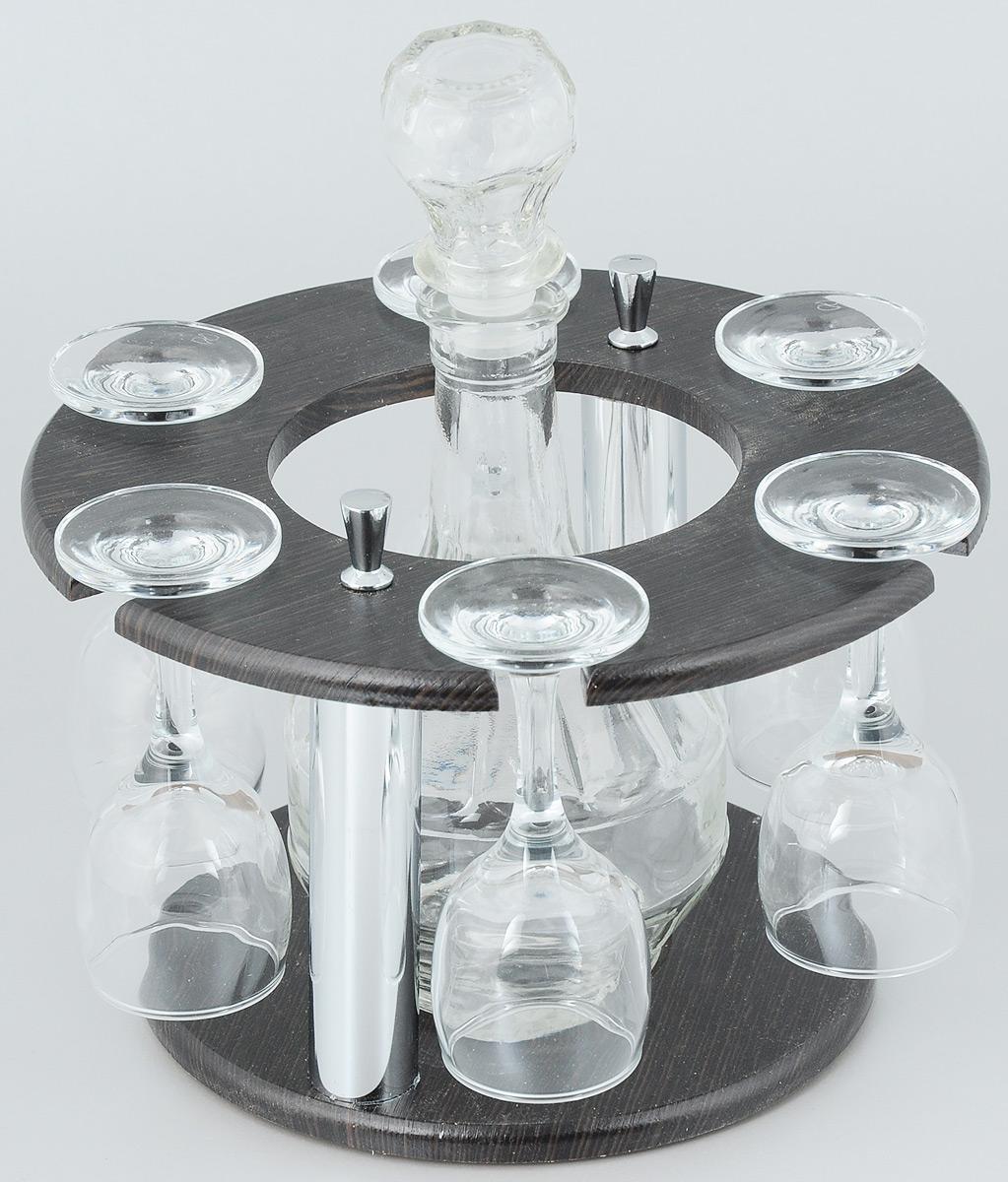 Набор рюмок Мусатов Кольцо, с графином, 8 предметов05-110Набор Мусатов Кольцо состоит из 6 рюмок, графина и деревянной подставки. Рюмки и графин изготовлены из высококачественного натрий-кальций-силикатного стекла. Такой набор прекрасно дополнит праздничный стол и станет желанным подарком в любом доме. Рюмки и графин разрешается мыть в посудомоечной машине. Диаметр рюмки: 4,3 см. Высота рюмки: 11 см. Диаметр основания: 5 см. Диаметр графина (по верхнему краю): 2 см. Высота графина: 17 см. Диаметр подставки: 22 см. Высота подставки: 13 см. Объем графина: 500 мл. Объем рюмки: 134 мл.