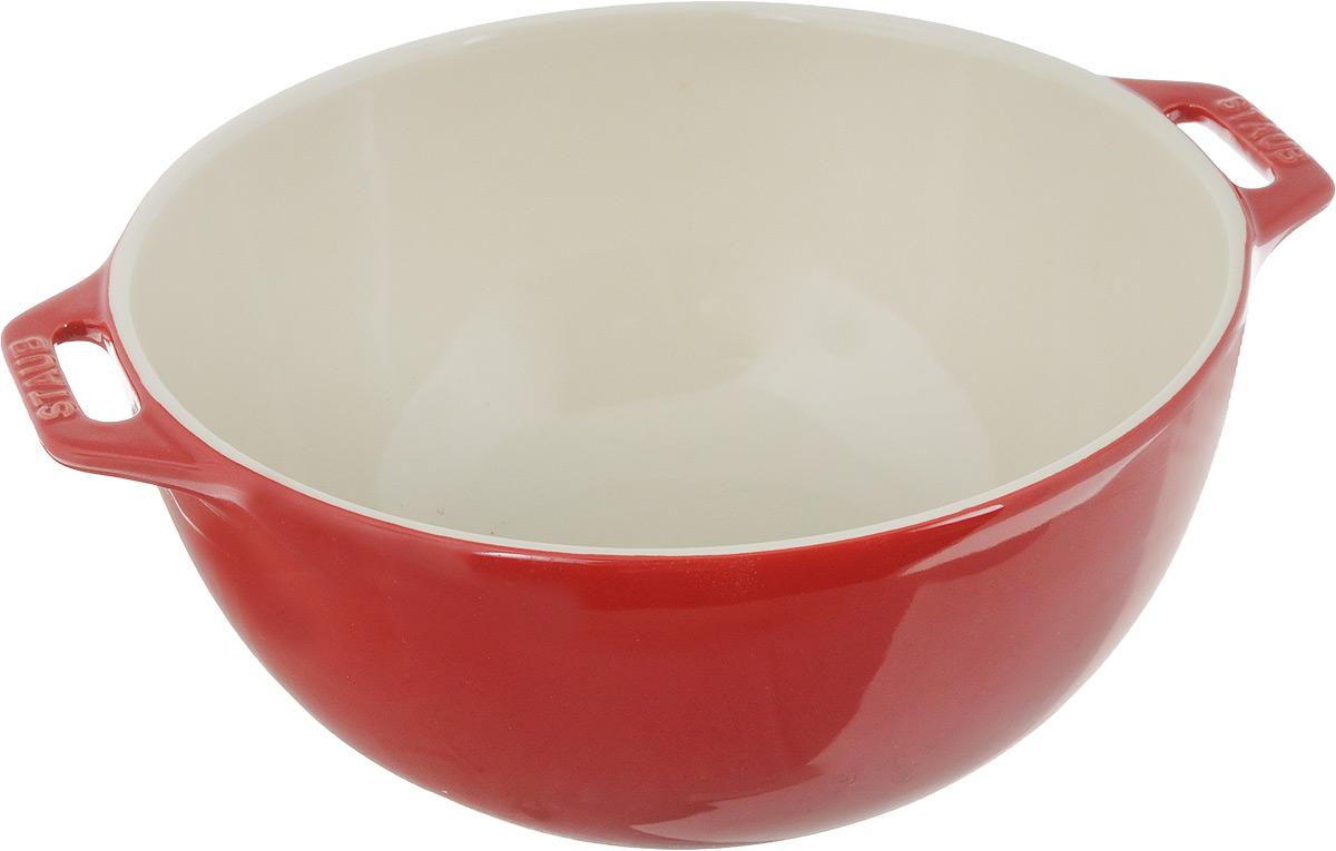 Миска Staub, цвет: вишневый, диаметр 25 см40510-797Миска Staub изготовлена из керамики покрытой эмалью. Красивая керамическая миска сможет стать привлекательной частью сервировки вашего стола. Кроме того, в ней вы сможете смешать различные ингредиенты во время приготовления блюд. При приготовлении мяса, рыбы, овощей и т. п. в посуде бренда Staub не только сохраняются все полезные вещества, но и придаются особые вкусовые качества приготовляемой пищи. Подходит для приготовления блюд в духовке или микроволновой печи. Можно мыть в посудомоечной машине. Диаметр миски: 25 см.