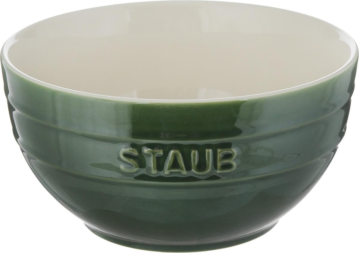 Миска Staub, цвет: зеленый, молочный, диаметр 17 см40510-793Миска Staub изготовлена из глины, покрытой эмалью из стеклянного порошка. Изделие очень функциональное, оно пригодится на кухне для самых разнообразных нужд: в качестве салатника, миски, тарелки. Можно мыть в посудомоечной машине. Можно использовать в духовке, микроволновой печи и морозильной камере. Диаметр миски (по верхнему краю): 17 см. Высота стенки: 9 см. Объем: 1,2 л.