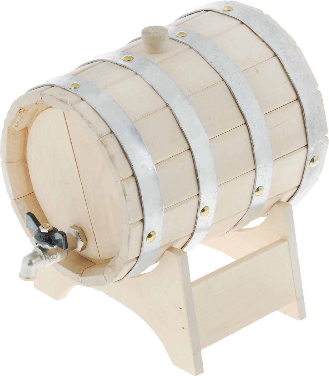 Бочонок для бани и сауны Proffi Home, на подставке, 3 лPH0192Бочонок Proffi Home изготовлен из березы. Он прекрасно впишется своим дизайном в интерьер. Березовый бочонок является одним из лучших среди бондарных изделий для использования в бане или сауне. Корпус бочонка стянут металлическими обручами с клепками. Для более удобного использования изделие имеет краник и подставку. Главное достоинство в том, что все полезные свойства остаются в сохранности. Эксплуатация бондарных изделий. Перед первым использованием бондарное изделие рекомендуется подготовить. Для этого нужно наполнить изделие холодной водой и оставить наполненным на 2-3 часа. Затем необходимо воду слить, обдать изделие сначала горячей, потом холодной водой. Не рекомендуется оставлять бондарные изделия около нагревательных приборов, а также под длительным воздействием прямых солнечных лучей. С момента начала использования бондарного изделия не рекомендуется оставлять его без воды на срок более 1 недели. Но и продолжительное время хранить...