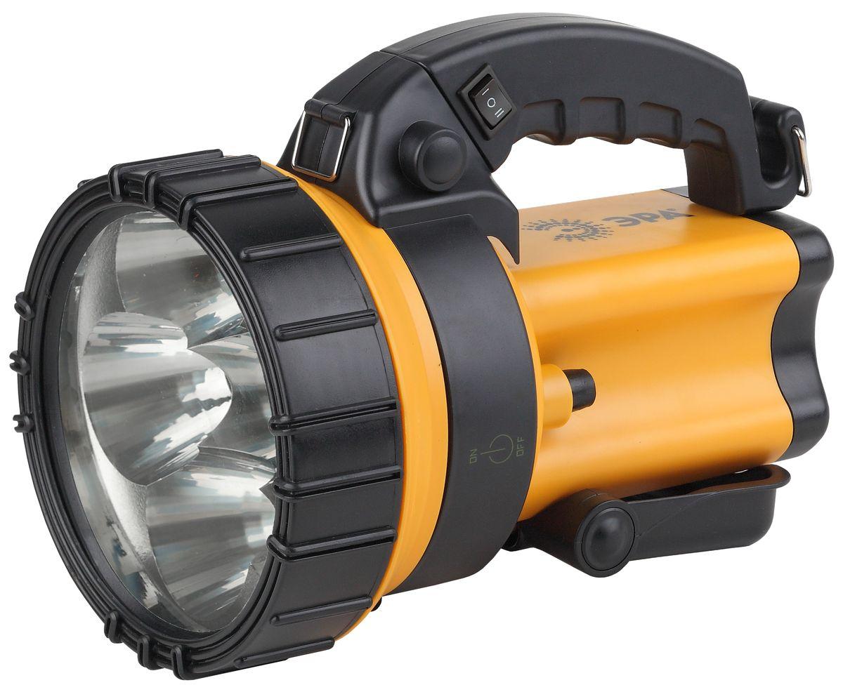 Фонарь ручной ЭРА, 6x1Вт LED SMD, аккумулятор 4В4.5Ач, ЗУ 220V+12VFA6WАккумуляторный светодиодный прожектор: 6x1Вт белые светодиоды (два режима работы 50% и 100% яркости) сигнальный красный светильник в задней части фонаря Аккумулятор 4V 4.5Ah (AC3, DT4045) подзарядка от сети 220V и бортовой сети автомобиля 12V ремень для переноски на плече.