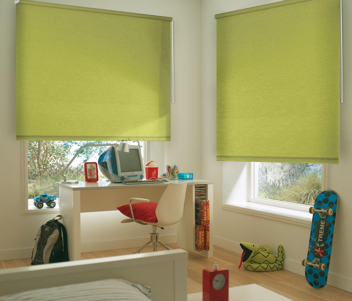 Штора рулонная Эскар, цвет: салатовый, ширина 130 см, высота 170 см81014130170Рулонными шторами можно оформлять окна как самостоятельно, так и использовать в комбинации с портьерами. Это поможет предотвратить выгорание дорогой ткани на солнце и соединит функционал рулонных с красотой навесных. Преимущества применения рулонных штор для пластиковых окон: - имеют прекрасный внешний вид: многообразие и фактурность материала изделия отлично смотрятся в любом интерьере; - многофункциональны: есть возможность подобрать шторы способные эффективно защитить комнату от солнца, при этом она не будет слишком темной. - Есть возможность осуществить быстрый монтаж. ВНИМАНИЕ! Размеры ширины изделия указаны по ширине ткани! Во время эксплуатации не рекомендуется полностью разматывать рулон, чтобы не оторвать ткань от намоточного вала. В случае загрязнения поверхности ткани, чистку шторы проводят одним из способов, в зависимости от типа загрязнения: легкое поверхностное загрязнение можно удалить при помощи канцелярского ластика; чистка от пыли производится сухим методом при...