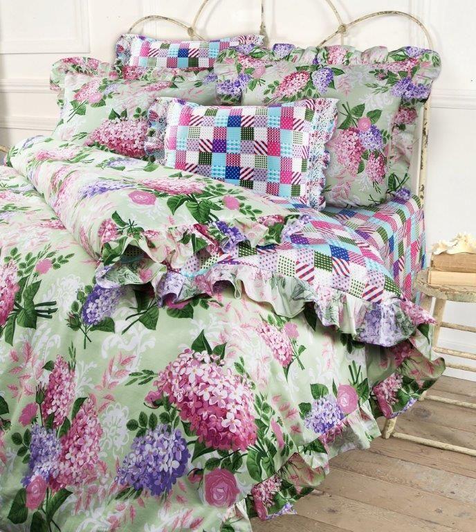 Комплект белья Mona Liza Lilac, семейный, наволочки 50x70 и 70x70, цвет: салатовый. 5745/25745/2Несомненно коллекция оригинальна и все в ней продумано до мелочей. Особого внимания заслуживают оборки и кружево на наволочках и оборки на пододеяльниках. Эта деталь делает коллекцию более романтичной и милой.