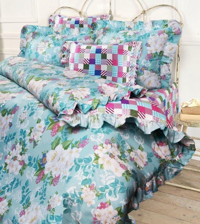 Комплект белья Mona Liza Jasmine, семейный, наволочки 50x70 и 70x70, цвет: бирюзовый. 5745/45745/4Несомненно коллекция оригинальна и все в ней продумано до мелочей. Особого внимания заслуживают оборки и кружево на наволочках и оборки на пододеяльниках. Эта деталь делает коллекцию более романтичной и милой.