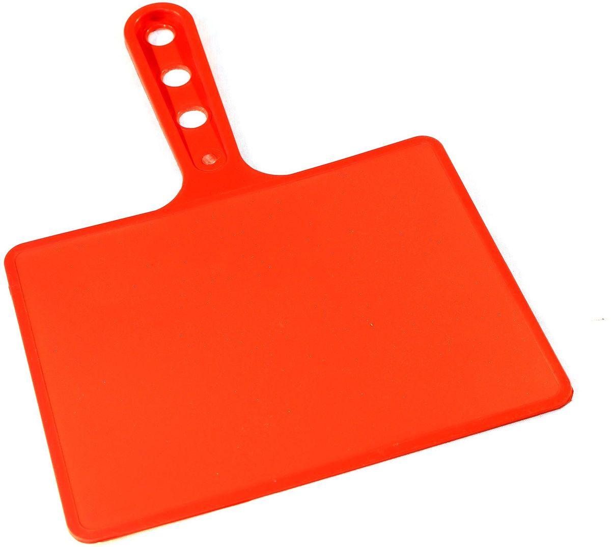 Веер для мангала BG, цвет: красный. 150181150181-К, красныйПредназначен для раздува углей в мангале. Изготовлен из высококачественного пластика(ПЭНД), одна сторона глянец, вторая шагрень. Ручка имеет 3 отверстия. Можно использовать как разделочную доску для мяса, нарезки овощей или хлеба. Рабочая поверхность выполнена в виде прямоугольника, размер: 197 х 148 мм.